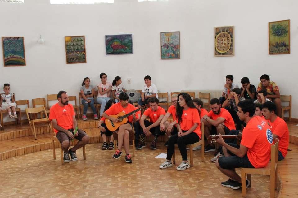 Աշխատանքի միջազգային կամավորական ճամբարներ
