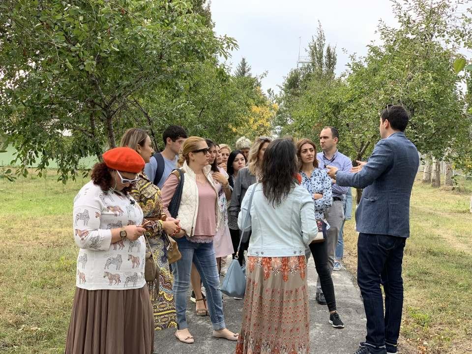 Հայաստանում Ամերիկայի առևտրի պալատի անդամ կազմակերպությունների այցը ՍՕՍ Մանկական Գյուղ Կոտայք
